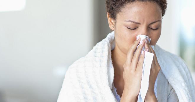 Rigidez en el cuello dolor de cabeza dolor de garganta síntomas